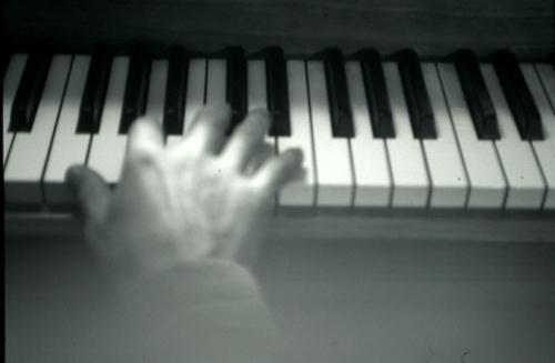Sara, piano, pianiste, schubert, andantino, D959
