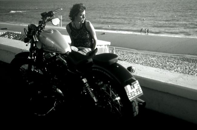 edith à la moto.jpg
