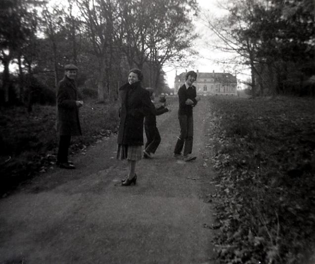 1978.PontHus.GrandPèrePierre,Mamina,Bertrand,Henry.jpg