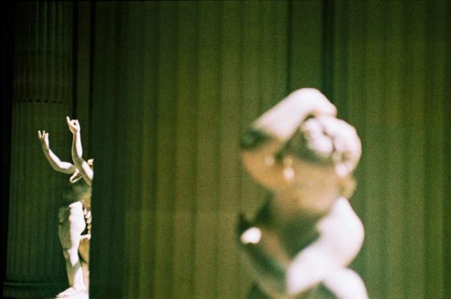 centre régional des lettres d'aquitaine,1999,les voyages extraordinaires,division cellulaire,mode de reproduction,biologie,microbiologie,laurence bordenave,broutille,microbe,bactérie,littérature scientifique,fiction scientifique,danse de saint-guy,alpinobacter,glucose,gélule,laboratoire de recherche,tube à essai,univers