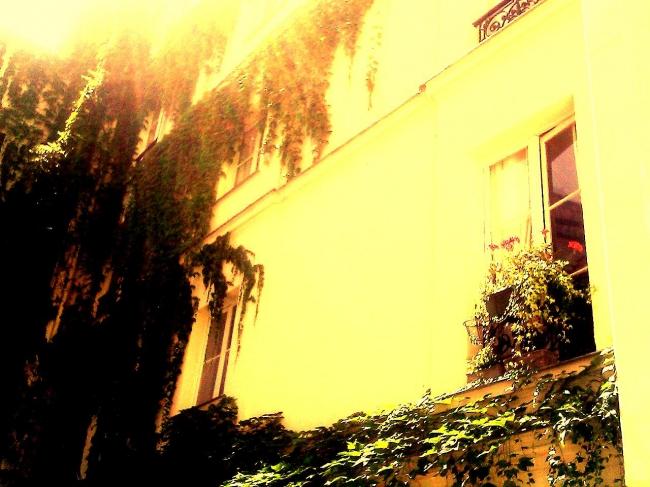 pierre louÿs,rue de l'amour,rue des soupirs,impasse des garçonnes,la chaume,psyché,satan,chiens de perrins,l'île d'yeu,la roulotte,fish and chips,canalisations,lessive de soude,zadig,hitchcock,sublimation,jérôme delvaux,mondkopf,musique,années 1950,sables d'olonne,cavac,coopérative maritime,zara,maléfficience