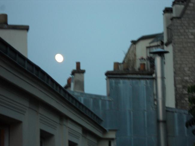 cliché à la lune.JPG