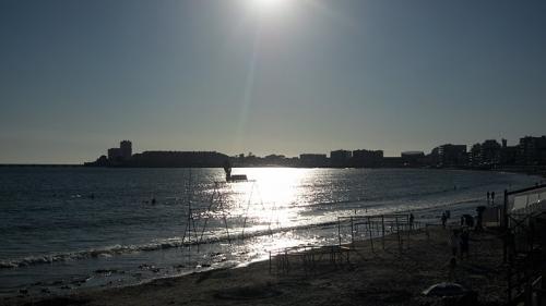 Nadège et la mer.JPG